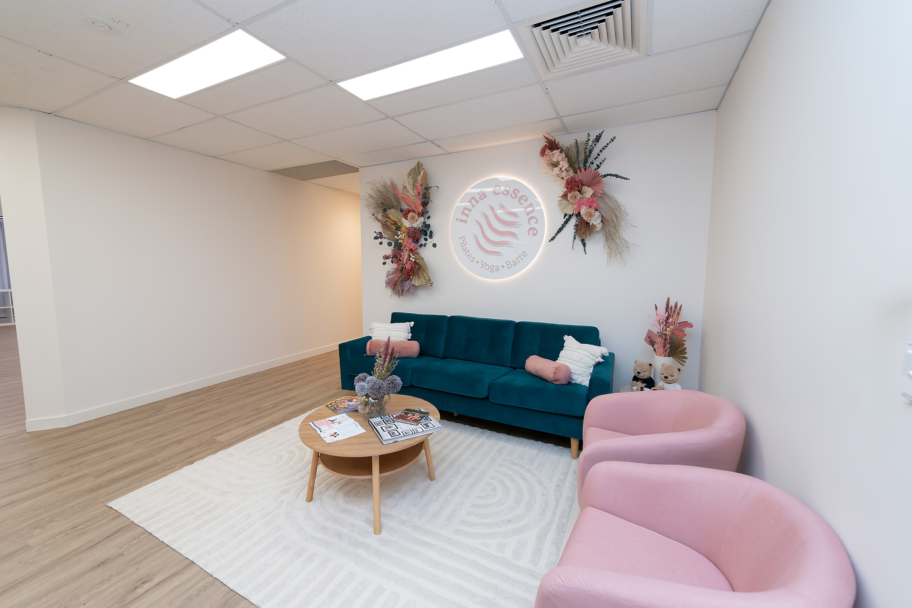 New Inna Essence studio reception